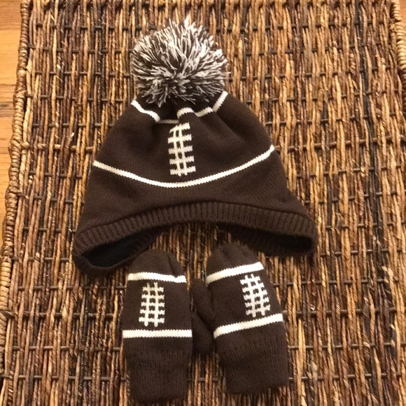 542c3454f8b Children s Place Other - Football Little Boy hat and mittens
